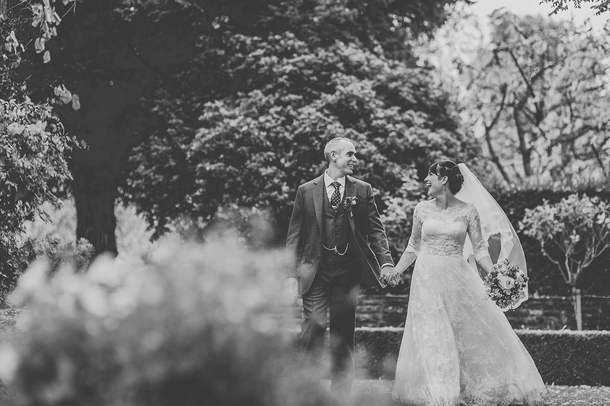 Dewsall Court wedding photography Herefordshire | Laura + Alex 87