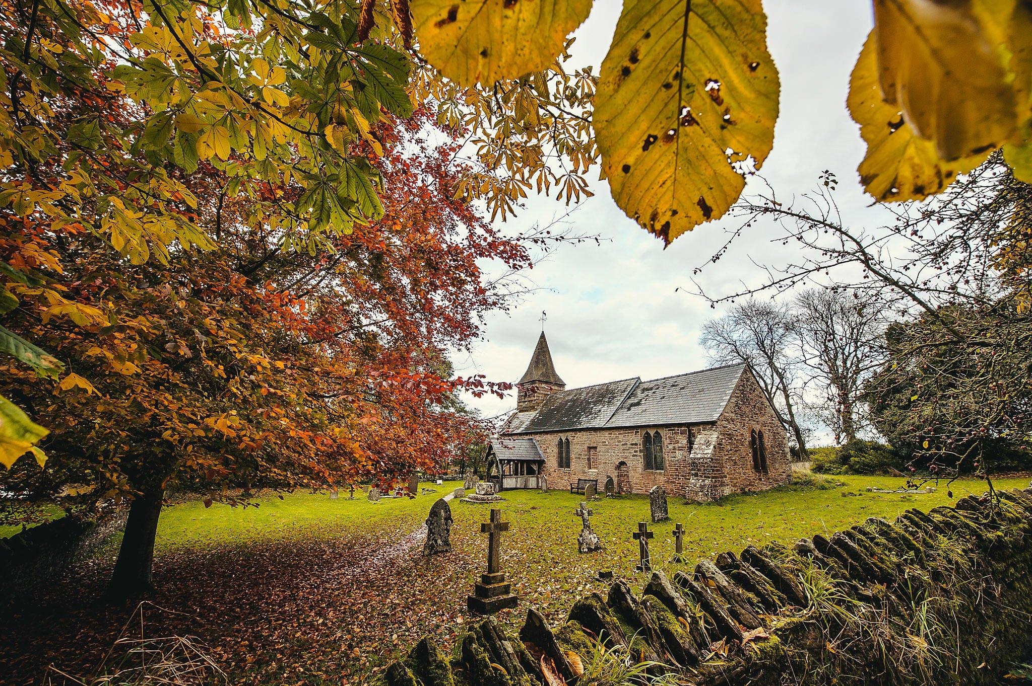 Dewsall Court wedding photography Herefordshire | Laura + Alex 30