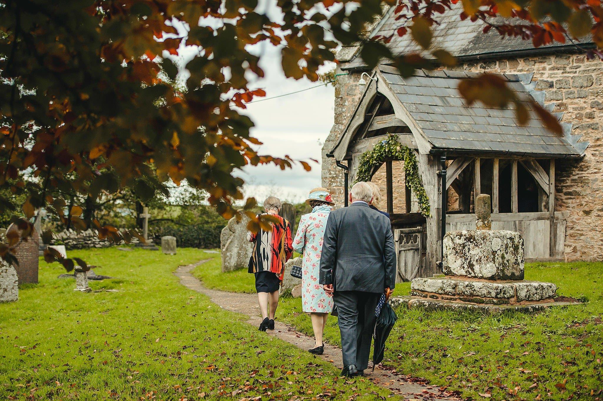 Dewsall Court wedding photography Herefordshire | Laura + Alex 32
