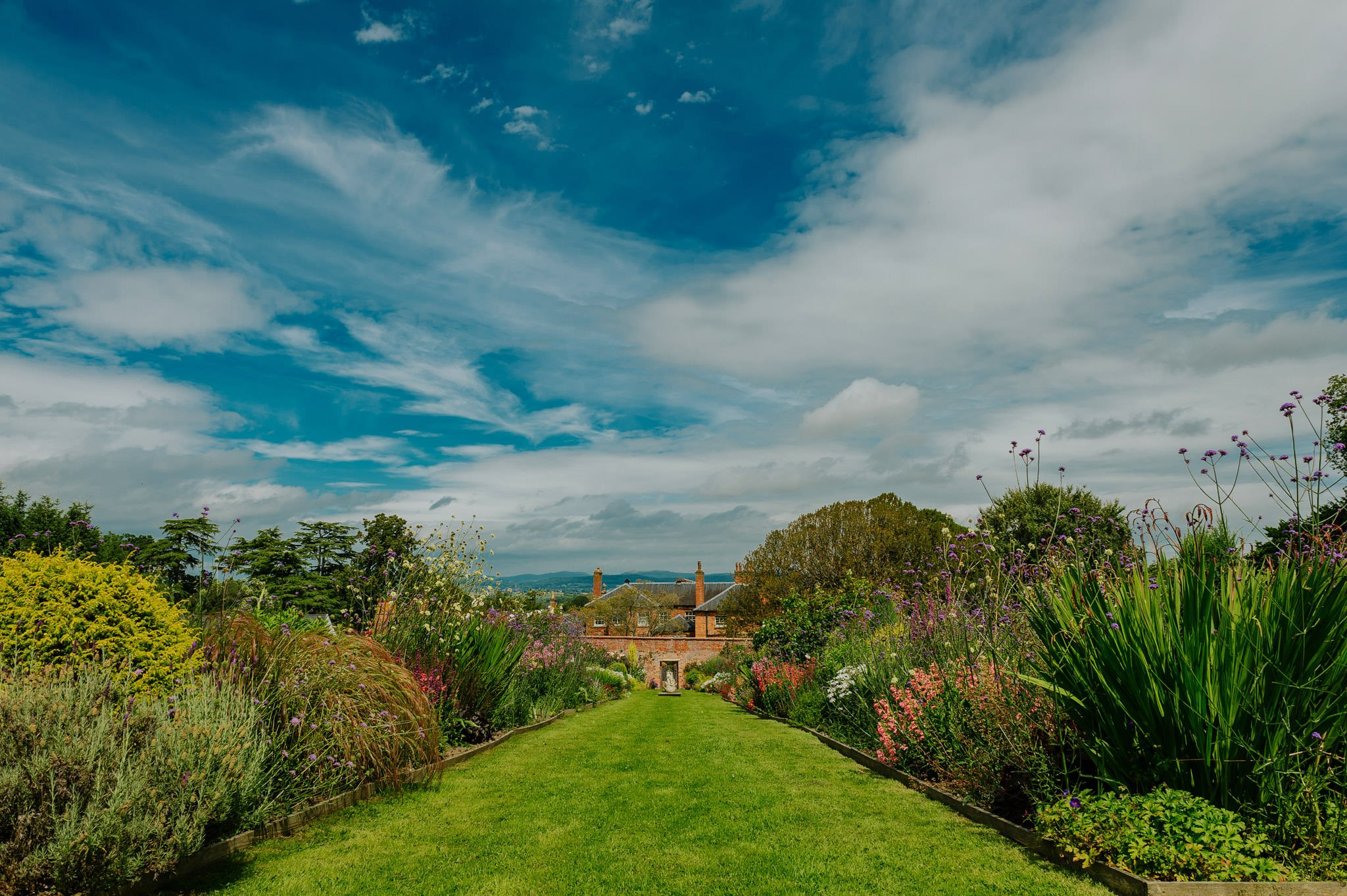 Wedding photography at Homme House in Herefordshire, West Midlands 15