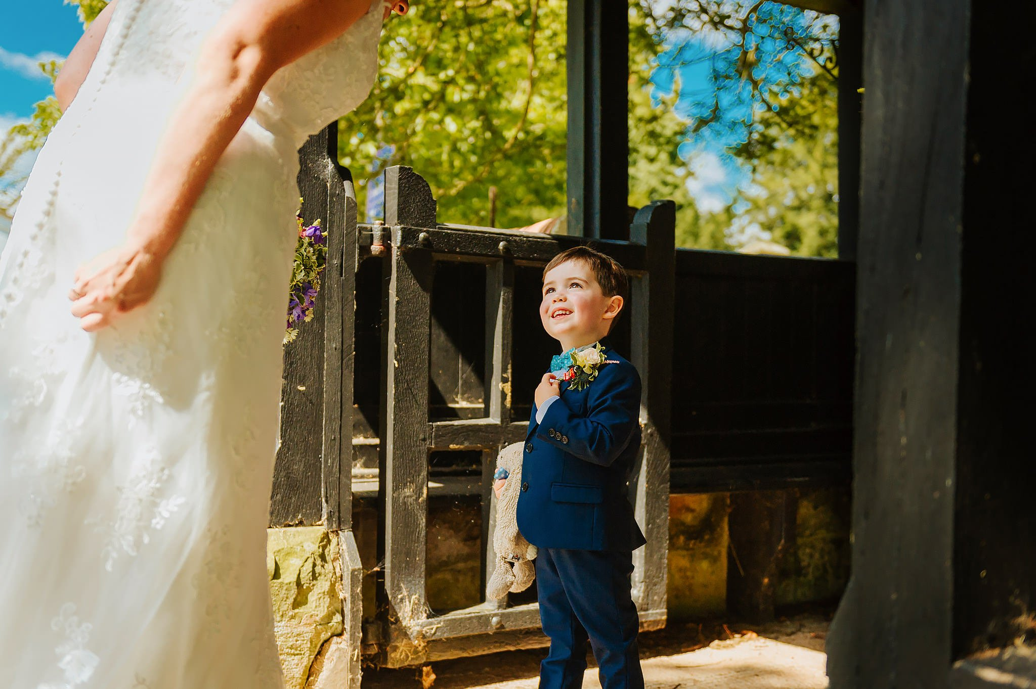Wedding photography at Hellens Manor in Herefordshire, West Midlands | Shelley + Ian 26