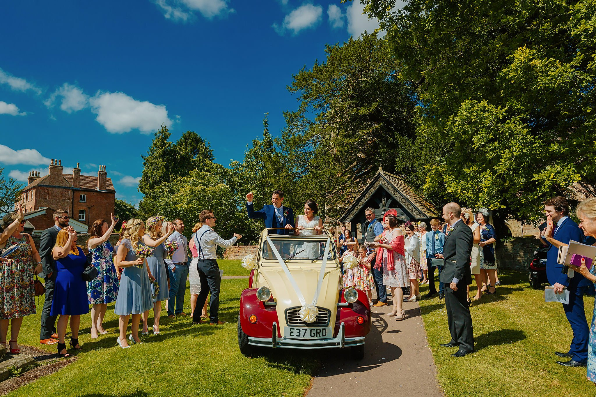 Wedding photography at Hellens Manor in Herefordshire, West Midlands | Shelley + Ian 38