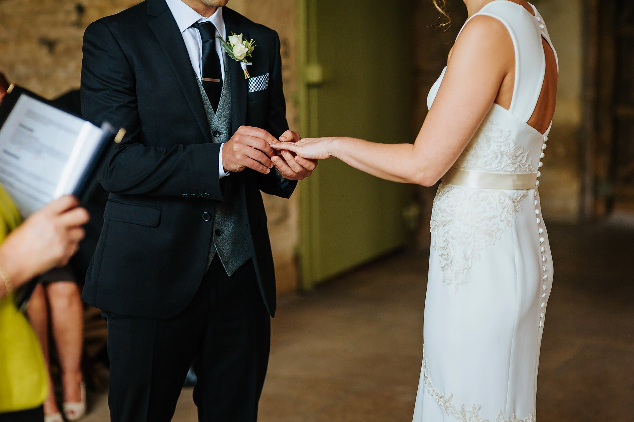 stone-barn-wedding-cotswolds (42)