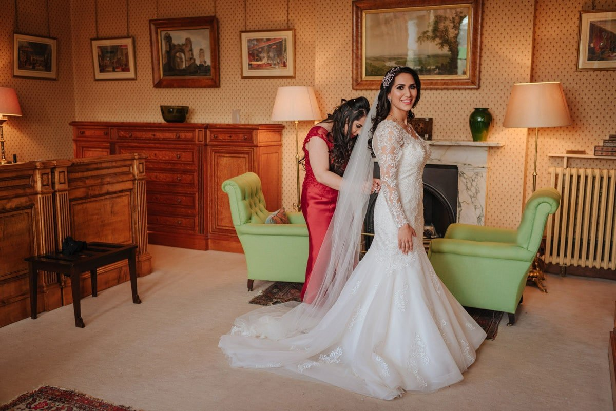 wedding-photography-at-eastnor-castle (20b)