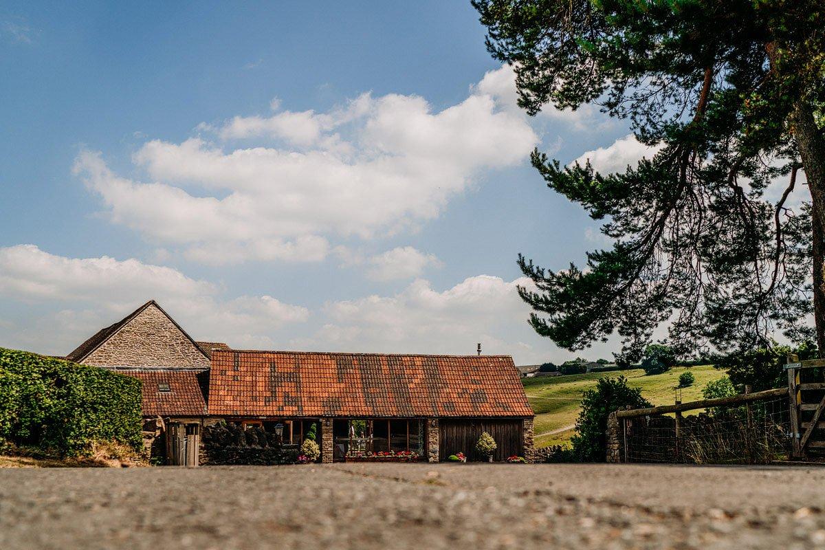 Kingscote Barn Wedding, Cotswolds 1